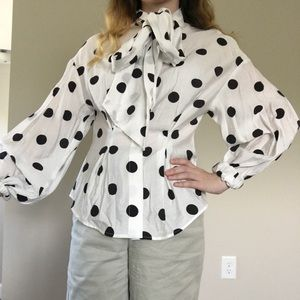 H&M bow neck polka dot blouse w/ puffy sleeves 🖤
